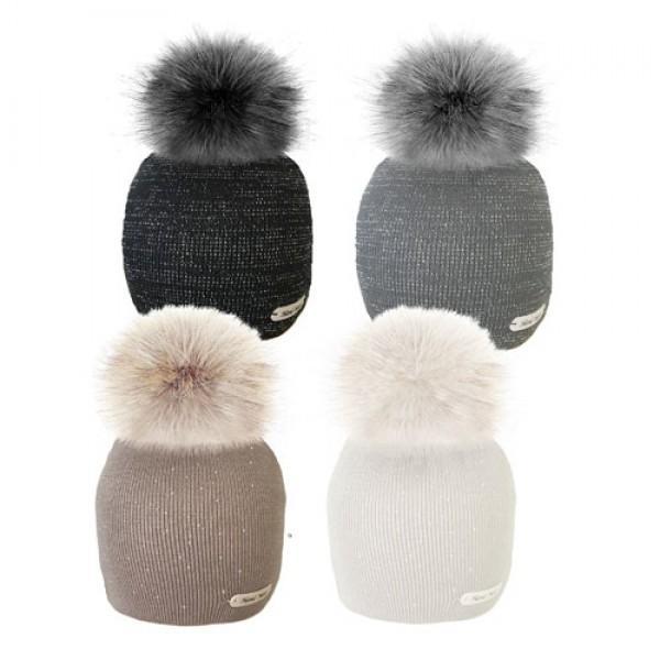 Ženska zimska kapa s cofom